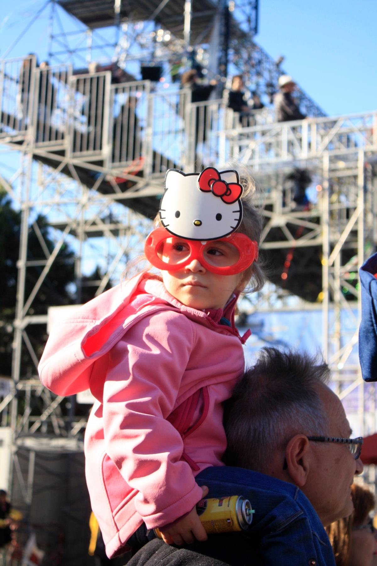 carnaval_de_nice_déguisement_enfant_hellokitty