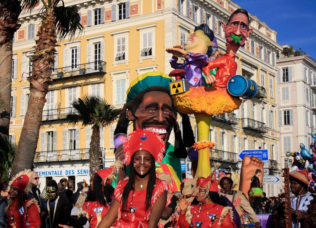 parade_chars_carnaval_de_nice