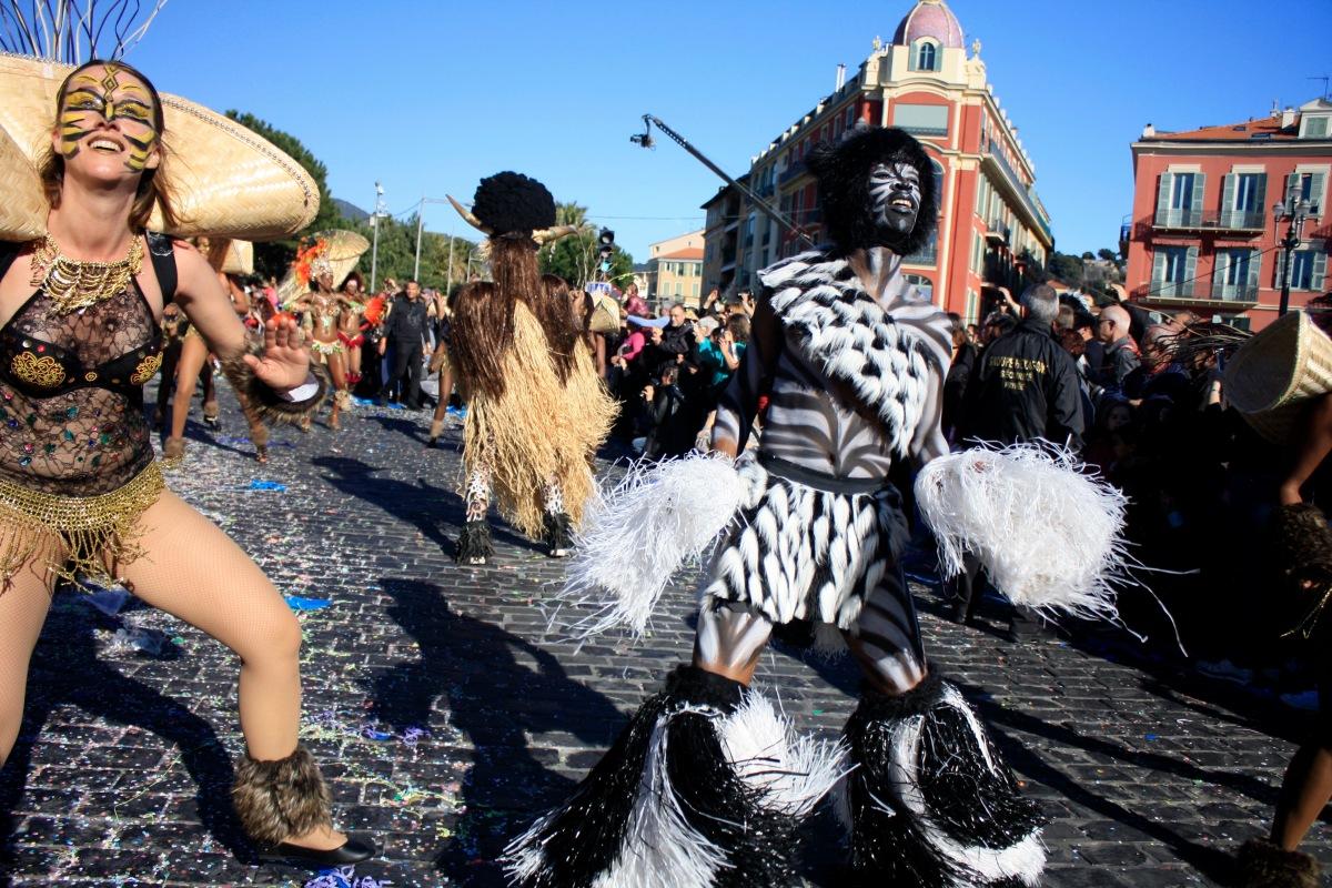 parade_chars_carnaval_de_nice_12